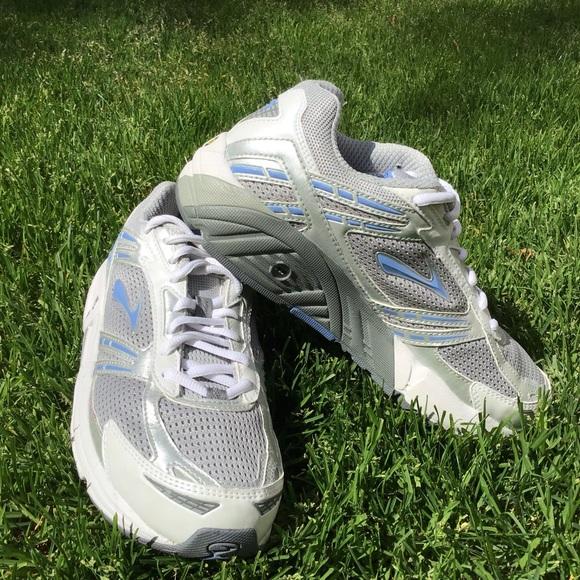 Brooks Mogo Womens Tennis Shoes Sz 85